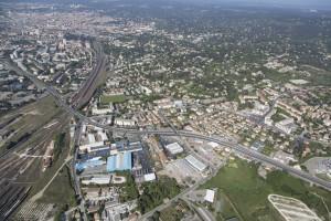 France, Gard (30), Nîmes, Mas de Mingues, quartier en rénovation urbaine (vue aérienne)