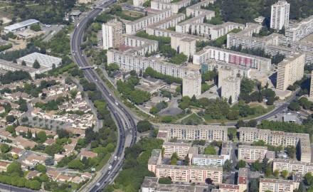 France, Gard (30), Nîmes, Pissevin, Valdegour, quartier en rénovation urbaine (vue aérienne)