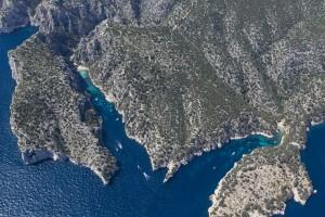 France, Bouches-du-Rhône (13), Marseille et Cassis, Parc National des Calanques, massif des calanques En Vau, Port Pin (vue aérienne)