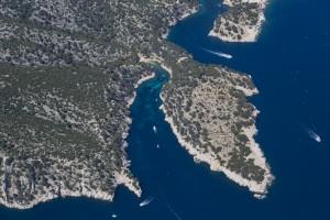 rance, Bouches-du-Rhône (13), Marseille et Cassis, Parc National des Calanques, massif des calanques Port Pin, Port Miou (vue aérienne)