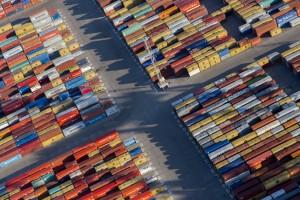 france, Bouches-du-Rhône (13),Fos-sur-Mer,  Grand port maritime de Marseille  ou GPMM, anciennement Port autonome de Marseille ou PAM, Bassins ouest, terminal conteneurs 2XL et 3XL  (vue aérienne)