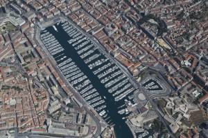 France, Bouches-du-Rhone (13),  Marseille,2 et 7eme arrondissement,  Vieux port (vue aérienne)
