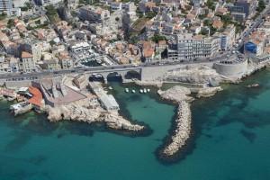 France, Bouches-du-Rhone (13),  Marseille,  7 ème arrondissement, quartier d'Endoume,  la corniche du président K, vallon des Auffes (vue aérienne)