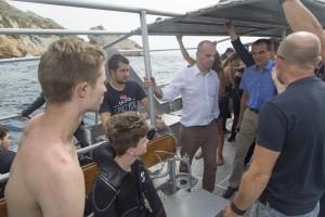France, Bouches-du-Rhône (13), Port de Niolon, visite du centre de plongée UCPA de Niolon sur la côte Bleue de Marseille. Jean-Michel Blanquer, ministre de l'Éducation nationale, en charge des questions jeunesse au sein du gouvernement