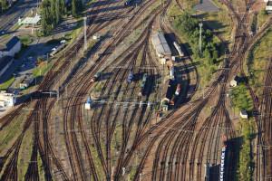 France, Yvelines (78), Trappes en Yvelines, ancienne gare de triage SNCF utilisée pour le fret et comme faisceau de voies de garage (vue aerienne)