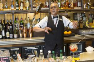 France, Bouches-du-Rhône (13), Marseille, Radisson Blu Hotel Marseille Vieux Port, restaurant le Quai du 7ème, César, Barman, bar à cocktail