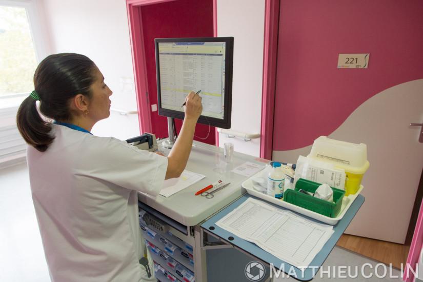 Etablissement de soins de suite et de réadaptation pour les patients âgés, médicaments