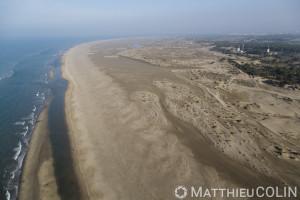 France, Gard (30), Camargue, Le Grau du Roi, plage de l'Espiguette,  massif de dune (vue aérienne)