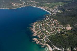 France. Corse du Sud (2A), golfe de Sagone, plage de Sagone, commune de Coggia, Témoli, villas en bord de mer  (vue aérienne)