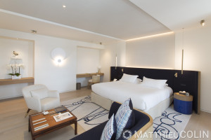 France, Var (83) Saint Tropez, La Résidence de la Pinède, hôtel 5 étoiles Cheval Blanc du groupe LVMH, chambre décorée par l'architecte Jean-Michel Wilmotte