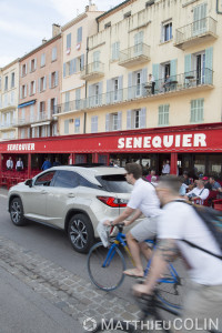 France, Var (83), Saint Tropez, café Sénéquier,  Lexus RX450 H Hydrid