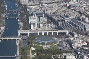 France, Paris (75), 12ème arrondissement et la Seine, Bercy, ministère des Finances, Palais Omnisport de Paris-Bercy, Gare de Lyon (vue aérienne)