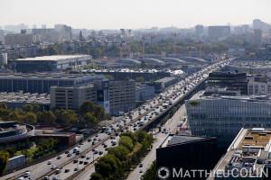 France, Paris (75), 15ème arrondissement, boulevard périphérique encombré et parc des exposition de Paris  (vue aérienne)