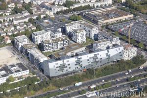 France, Val de Marne (94), Fresnes,  la Ceriseraie,  Avenue de la Cerisaie,  Rue Juliette Drouet, Rue de Montjean et autoroute A6A (vue aérienne)