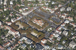 France, Val de Marne (94), Saint Maur des Fossés, quartier le parc, église Notre Dame du Rosaire  (vue aérienne)
