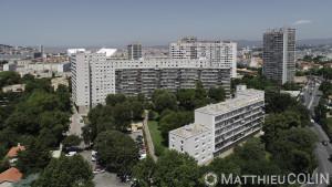 France, Bouches du Rhône (13), Marseille, le grand et le petit Trioulet, résidence de logement social géréz par 13 Habitat et rénovéz par STO facade, entreprise applicatrice  Marteau (vue aérienne)