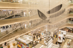 Japon, île de Honshu, région de Kanto, Tokyo, Ginza, Ginza Six, le plus garnd complexe commercial du quartier//Japan, Honshu Island, Kanto region, Tokyo, Ginza, Ginza Six, the most garnd shopping complex in the district