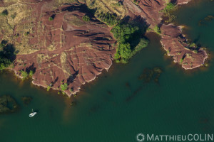 France, Hérault (34), Liausson et Clermont-l'hérault, lac du Salagou et la ruffe, roche rouge (vue aérienne)//France, Hérault (34), Liausson and Clermont-l'hérault, Lac du Salagou and La Ruffe, red rock (aerial view)