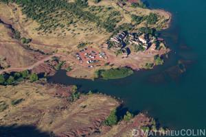 France, Hérault (34), Celles, lac du Salagou et la ruffe, roche rouge (vue aérienne)//France, Herault (34), Celles, Lac du Salagou and La Ruffe, red rock (aerial view)