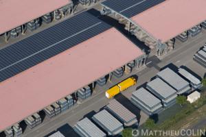 France, Hérault (34), Maureilhan, zone d'activité de Béziers Ouest, Owens-Illinois ou O-I manufacturing verrerie et Ipaq recyclage du verre (vue aérienne)
