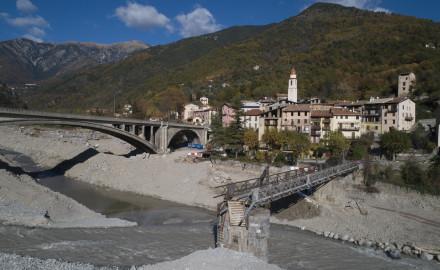 France, Alpes-Maritimes (06), vallée de la Vésubie, Roquebillière, dégâts des inondations de la tempête Alex début octobre 2020 (vue aérienne)